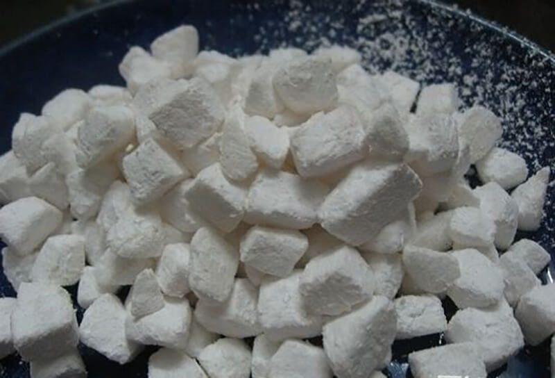 Hạt lê đem trộn với bột năng