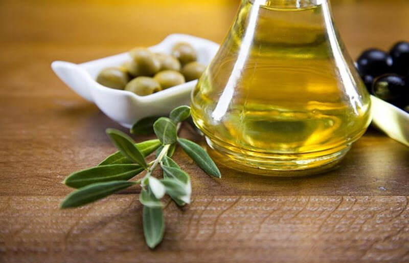 Mặt nạ mật ong và dầu ô liu trị mụn