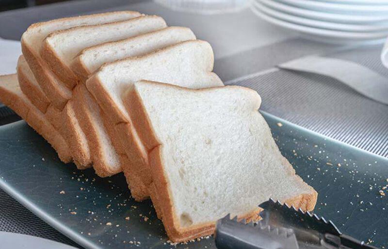 Các loại ngũ cốc và đường tinh luyện: Bánh mì, bún miến và soda