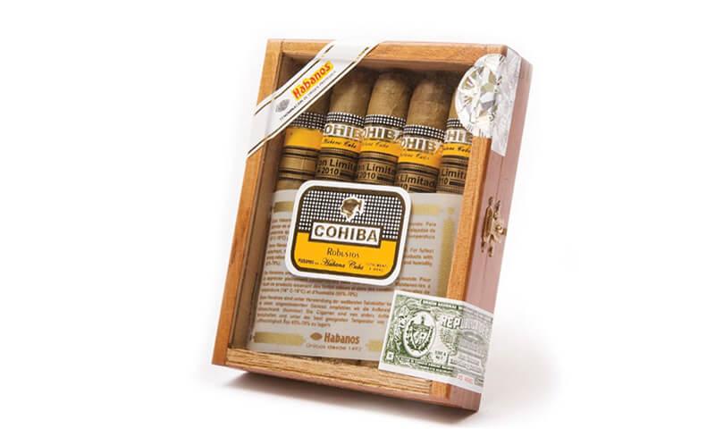 Một hộp xì gà Cuba giả